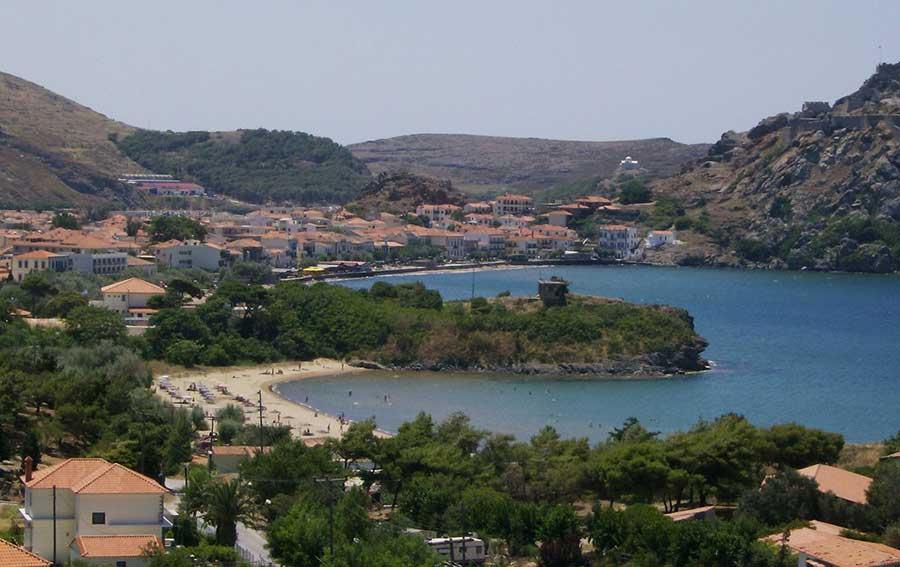Allo scoperta delle meravigliose isole della grecia for Case neoclassiche