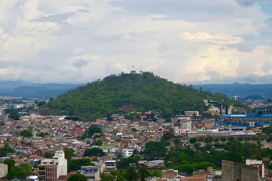 Vista di Tegucigalpa da Parque La Leona