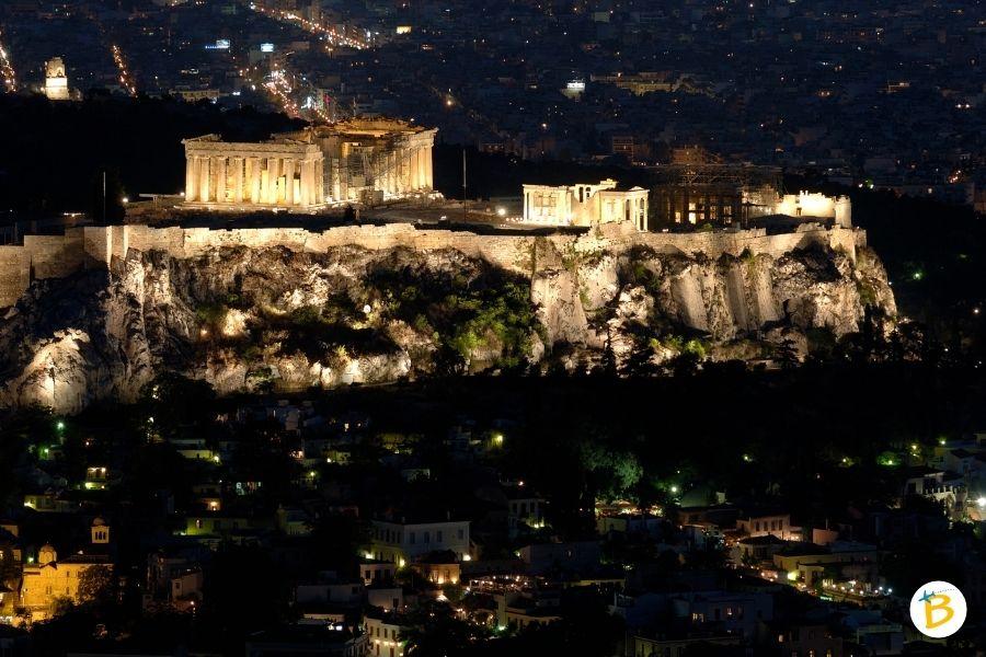 Acropoli di Atene di notte