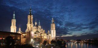 Veduta della cattedrale e dell'Ebro a Saragozza